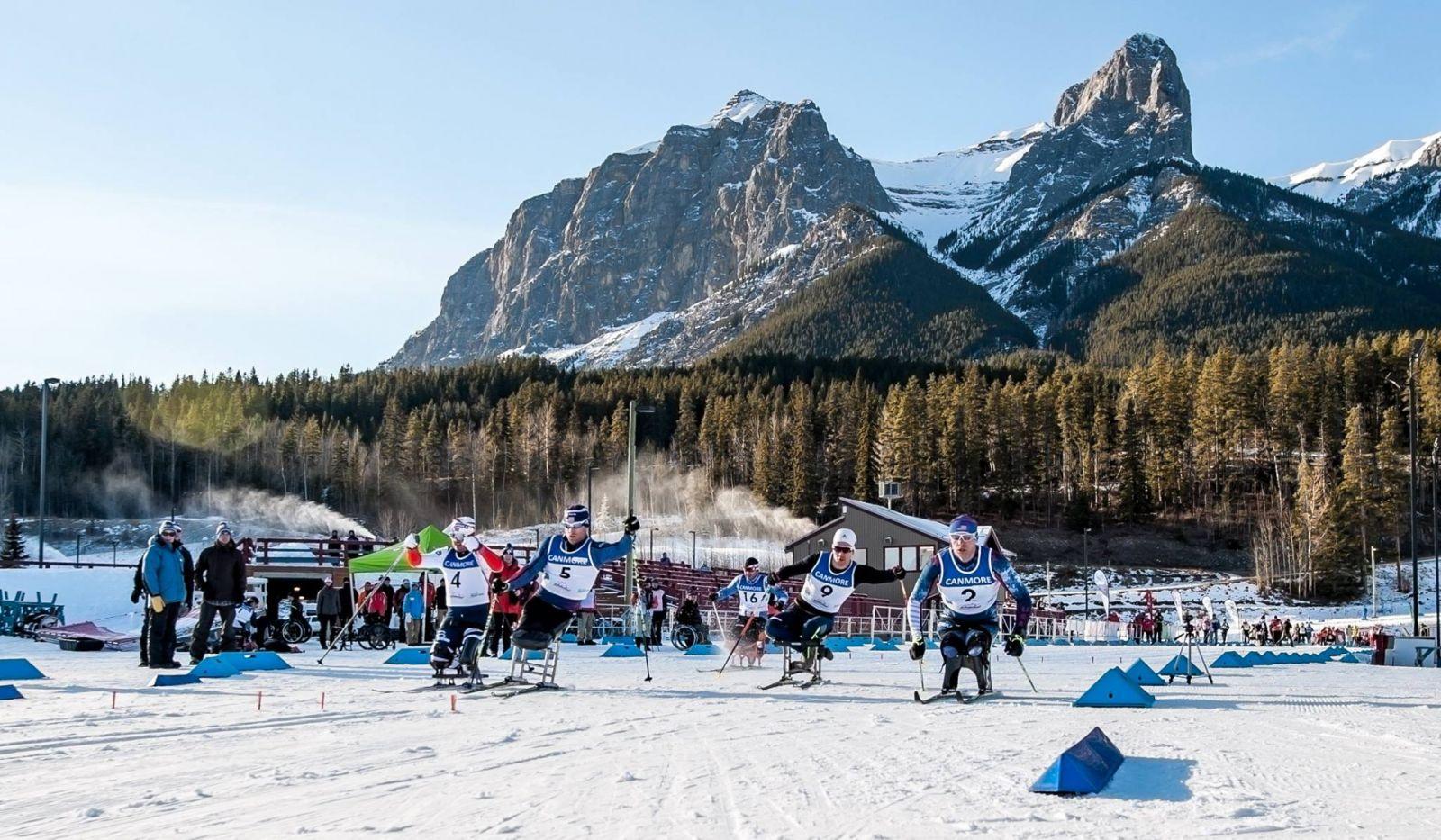 Российские спортсмены завоевали 8 золотых, 10 серебряных и 4 бронзовые медали по итогам двух дней Кубка мира по лыжным гонкам и биатлону спорта лиц с ПОДА и нарушением зрения в Канаде