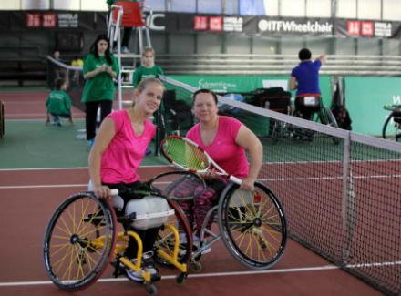 Спортсменки сборной России по теннису на колясках завершили борьбу на четвертьфинальной стадии турнира по теннису на колясках Swiss Open в Швейцарии