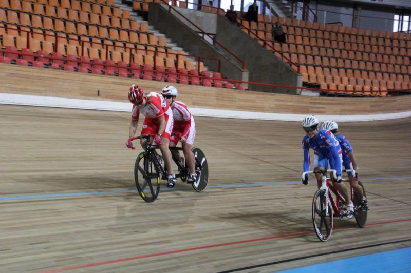Определены победители чемпионата России по велоспорту-тандем на треке среди лиц с нарушением зрения