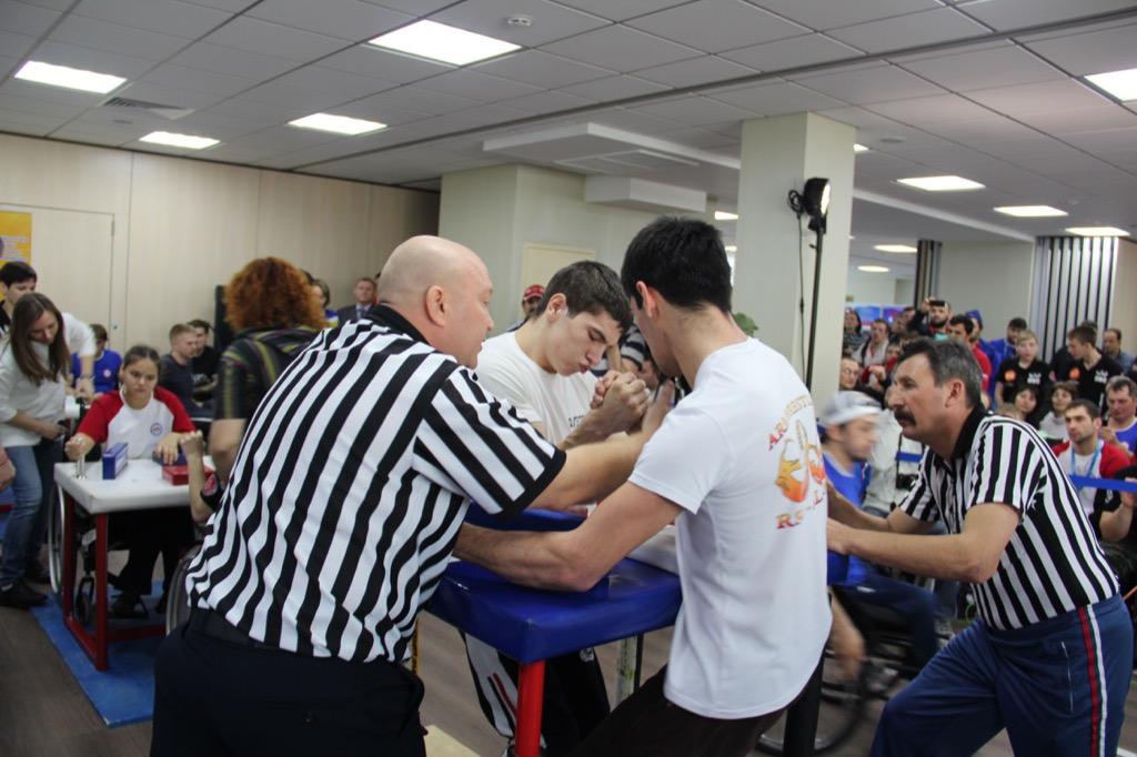Российские армрестлеры спорта лиц с ПОДА на чемпионате мира в Венгрии ведут борьбу за сохранение реноме сильнейшей сборной планеты