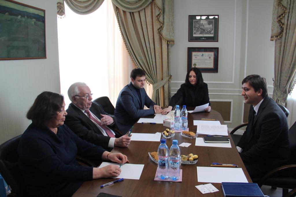 В.П. Лукин в офисе ПКР провел встречу с Генеральным секретарем НПК Узбекистана О.Ф. Гафуровым