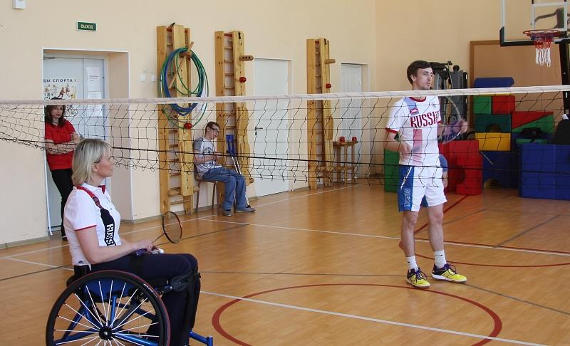 В г. Санкт-Перебурге в спортивном зале Школы-интерната №9 состоялся мастер-класс по парабадминтону
