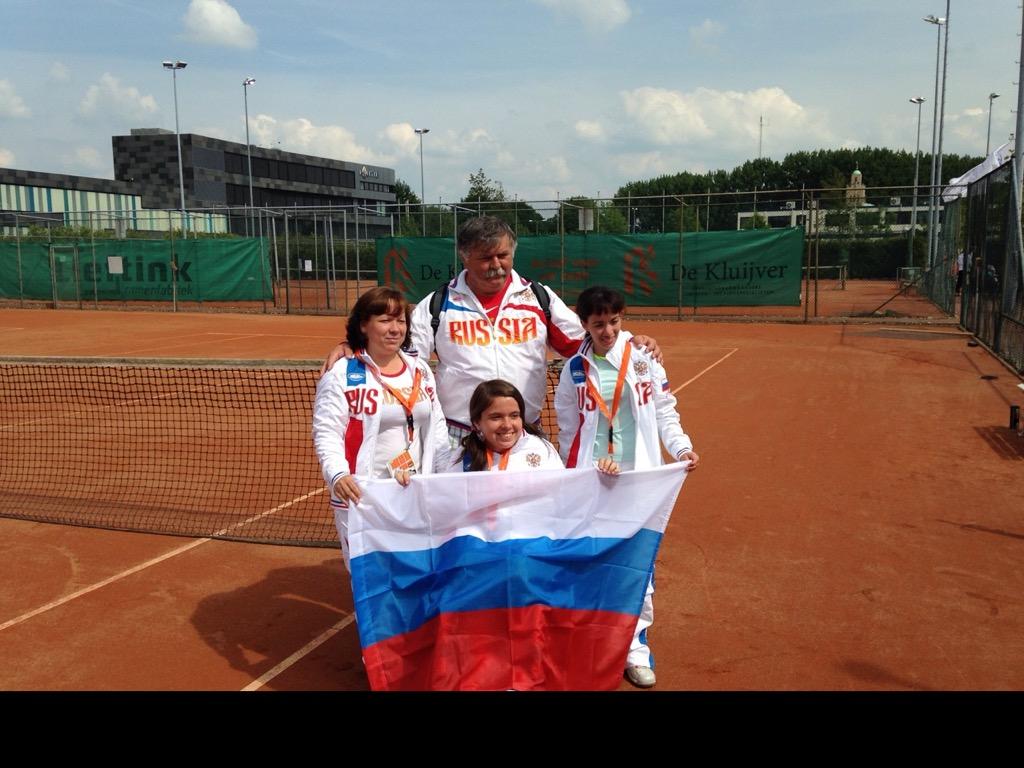 В г. Альфен (Нидерланды) стартовал командный Кубок мира по теннису на колясках