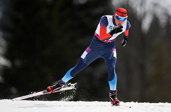 Российский паралимпиец А. Карачурин завоевал  золотую медаль  в биатлоне на 12. 5 км