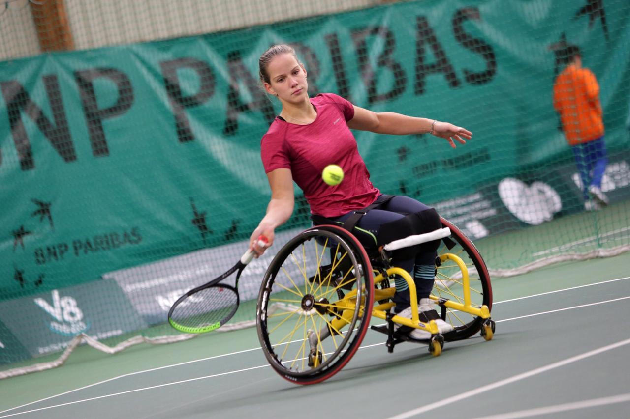 Серебряную и бронзовую медали завоевала сборная команда России на международном турнире по теннису на колясках во Франции