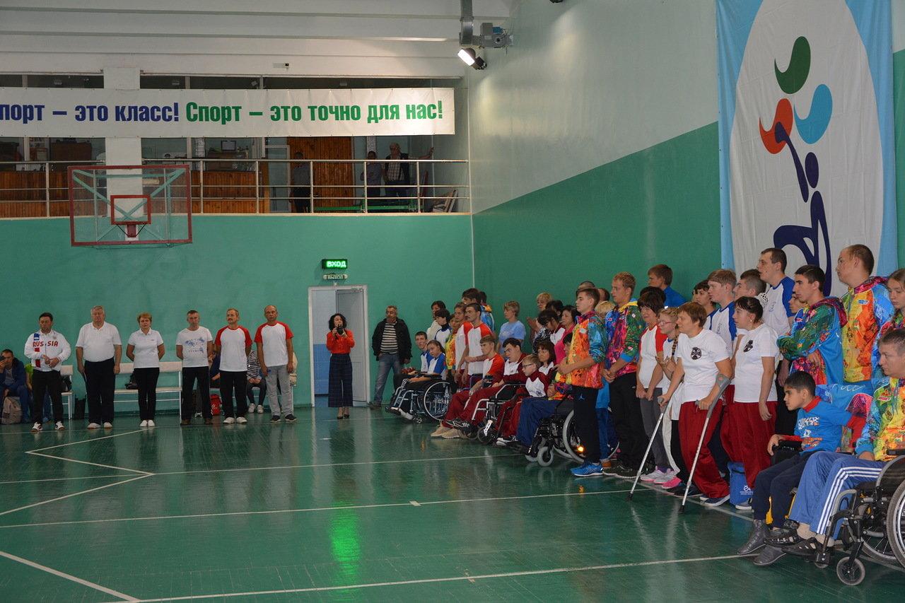 В Саратове в рамках Всероссийского спортивно-образовательного проекта ПКР «Паралимпийский урок» прошли чемпионат и первенство Саратовской области по бочча