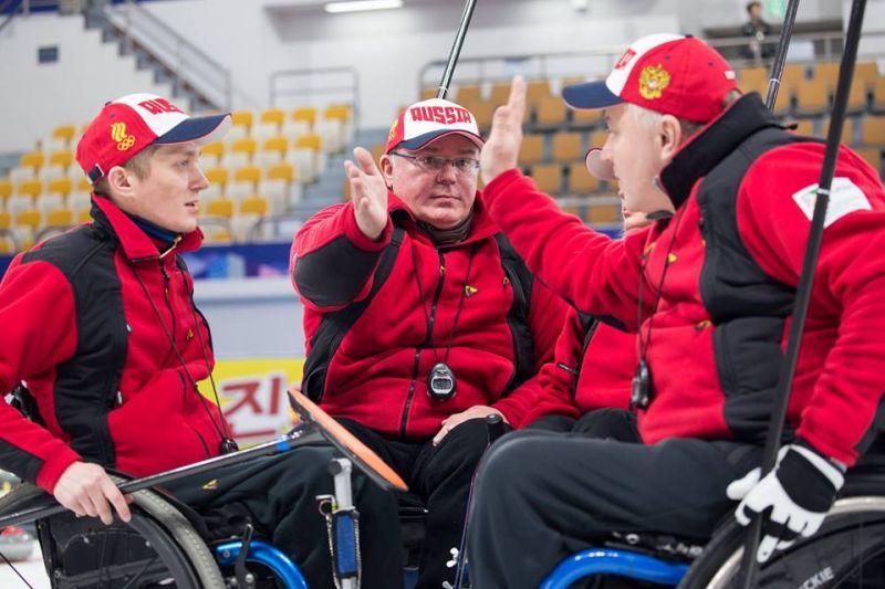 В третий день чемпионата мира по керлингу на колясках сборная команда России одержала две победы