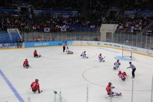 Сборная России по хоккею-следж уступила с минимальным счетом сборной Кореи на XI Паралимпийских зимних играх в г. Сочи