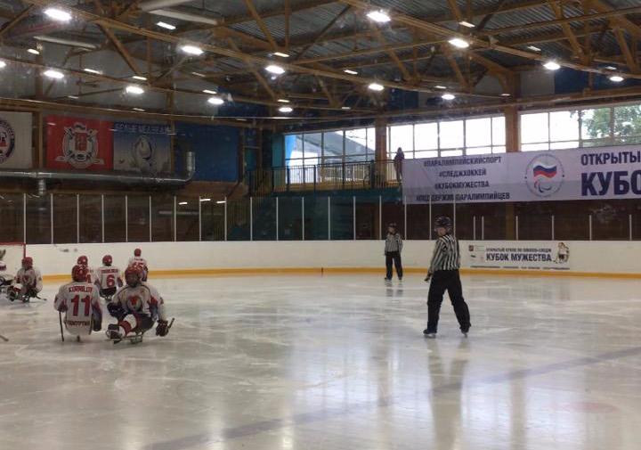 СХК «Югра» и СХК «Феникс» одержали победы в третий день Открытого Кубка по хоккею-следж «Кубок Мужества»