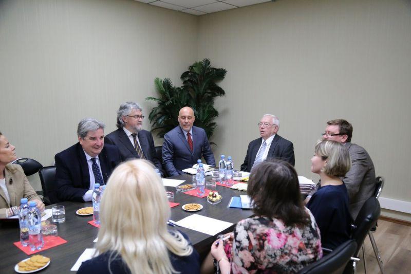 В офисе ПКР состоялась встреча президента ПКР В.П. Лукина с независимыми экспертами для оценки антидопинговой политики Российской Федерации в связи с реализацией Антидопинговой конвенции ЮНЕСКО