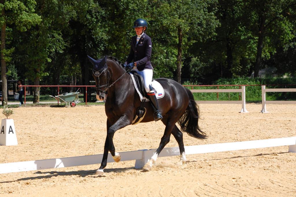 Сборная команда России по конному спорту лиц с ПОДА приняла участие в серии международных соревнований в Европе