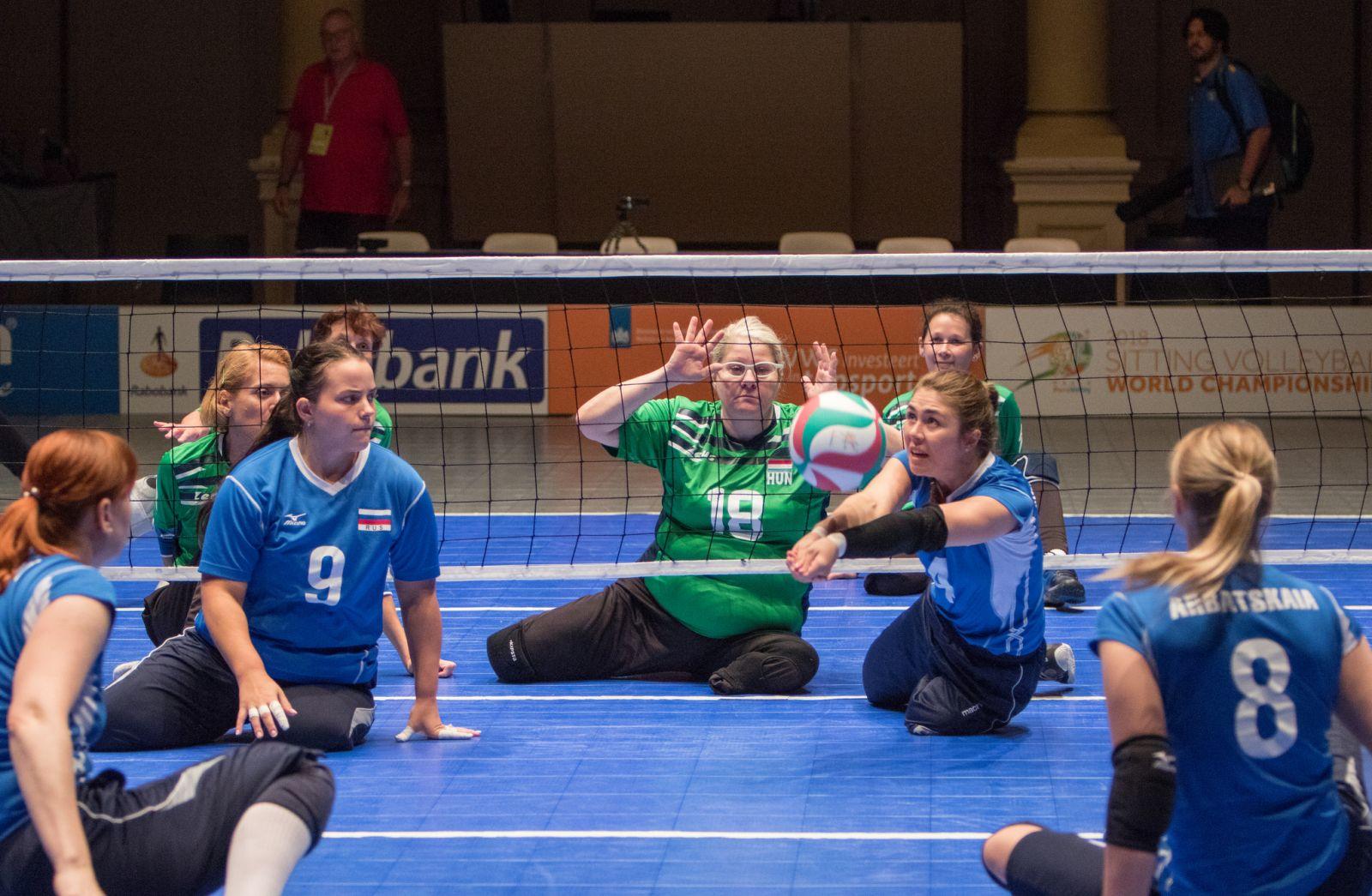 Женская сборная команда России по волейболу сидя вышла в четвертьфинал чемпионата мира в Нидерландах