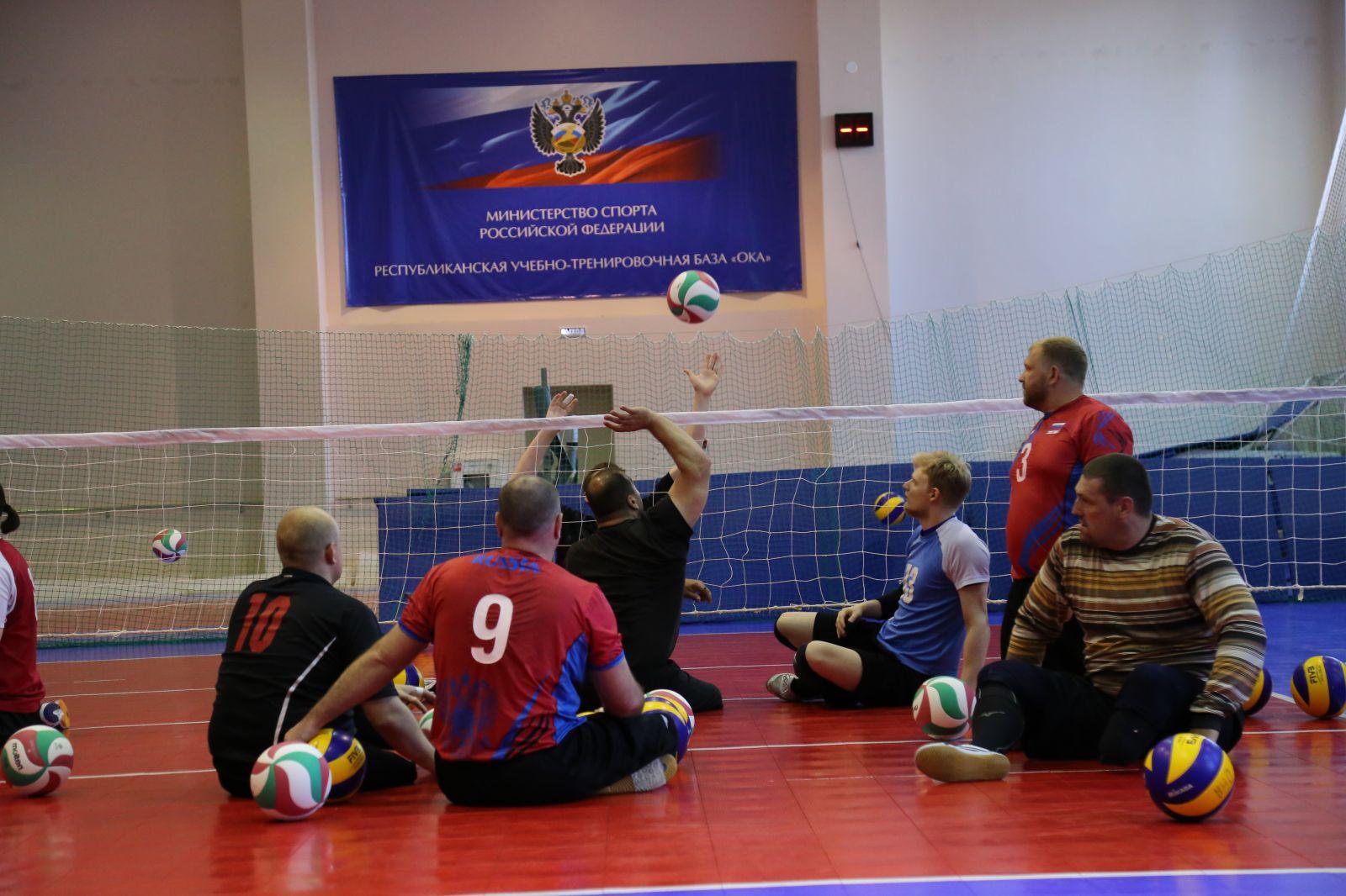 В г. Алексине на РУТБ «Ока» стартовал чемпионат России по волейболу сидя среди мужских и женских команд