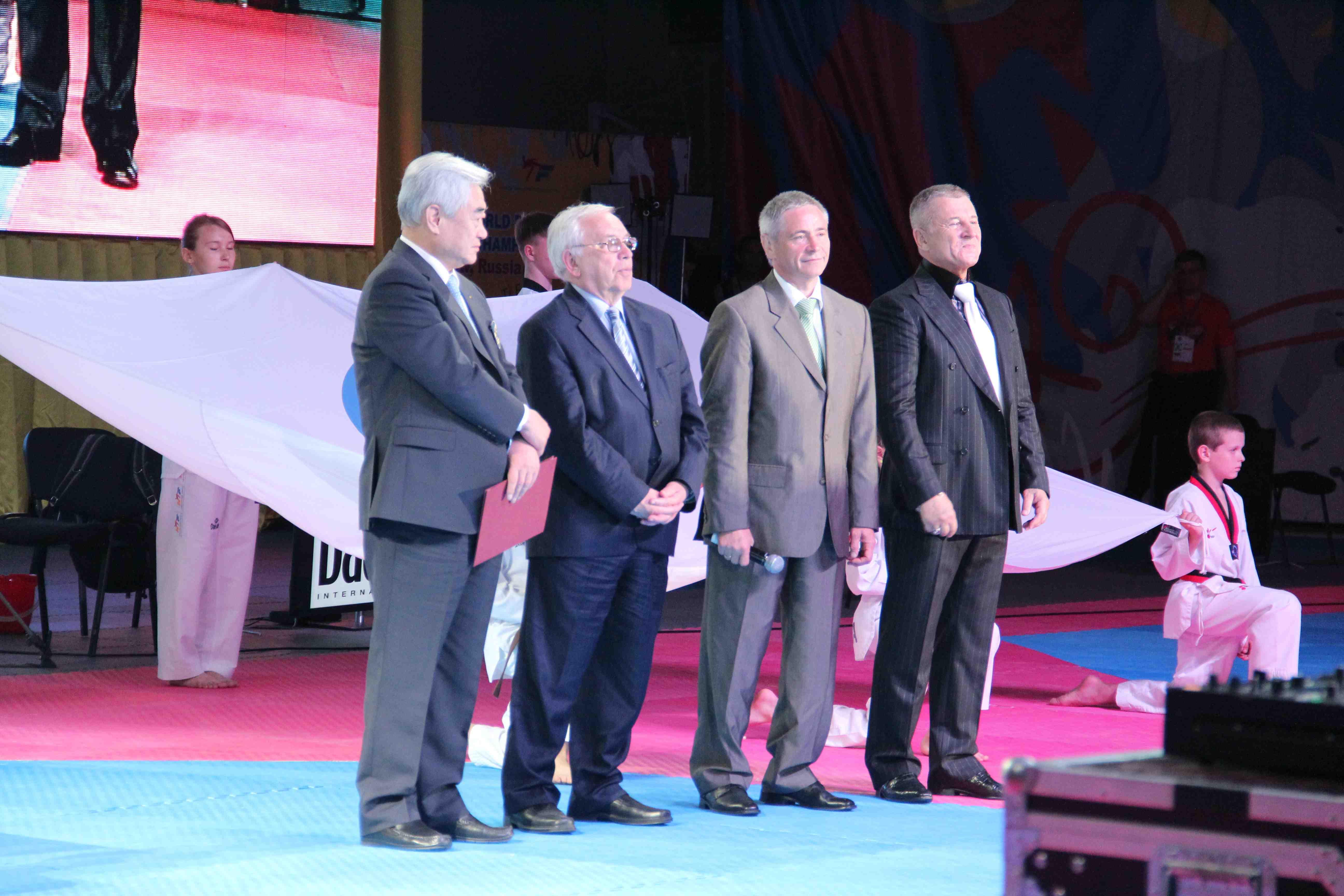 В.П. Лукин и П.А. Рожков во Дворце спорта «Динамо» приняли участие в церемонии открытия 5 чемпионата мира по пара-тхэквондо