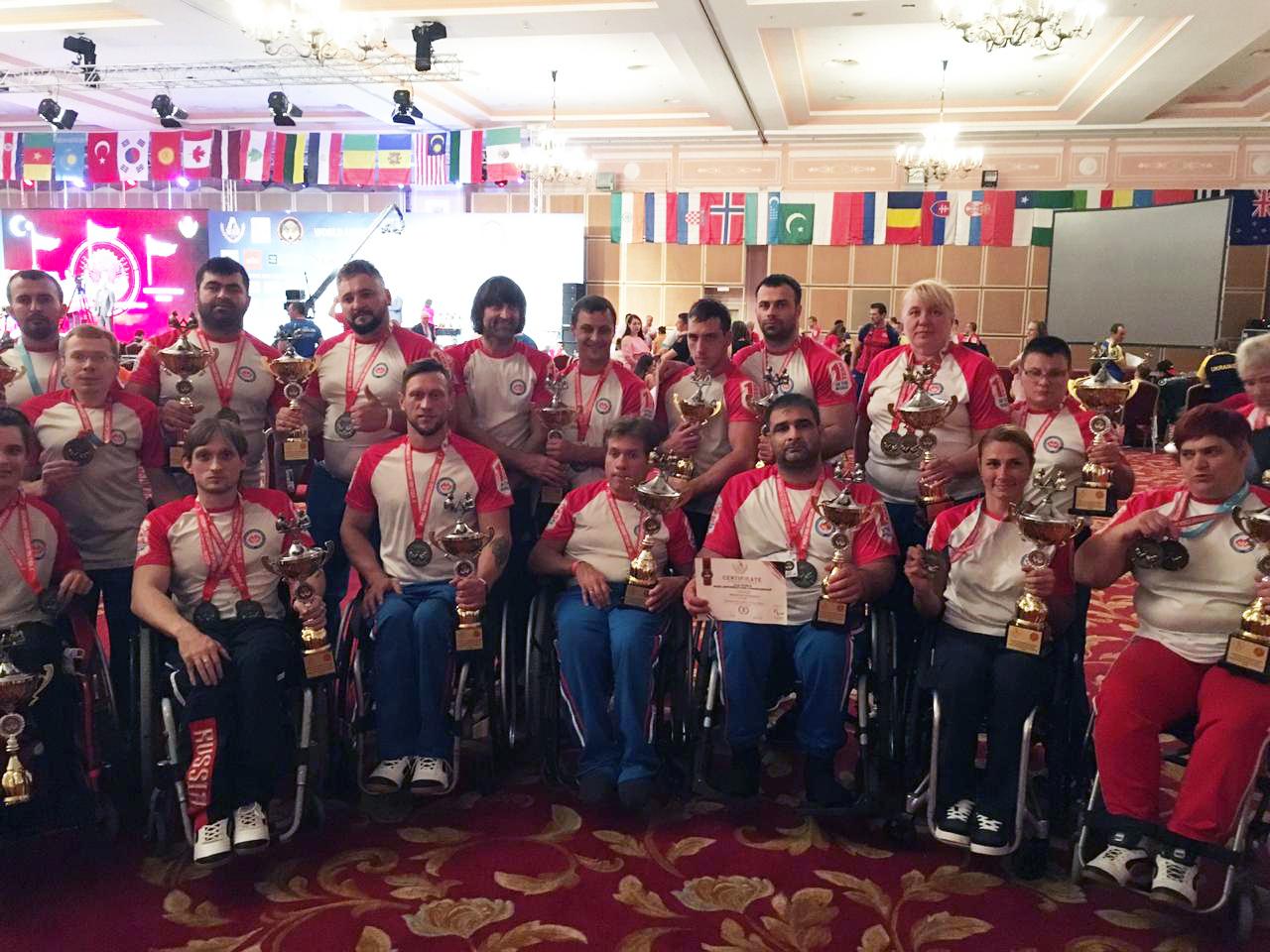 Российские спортсмены одержали командную победу на чемпионате мира по армрестлингу в Турции
