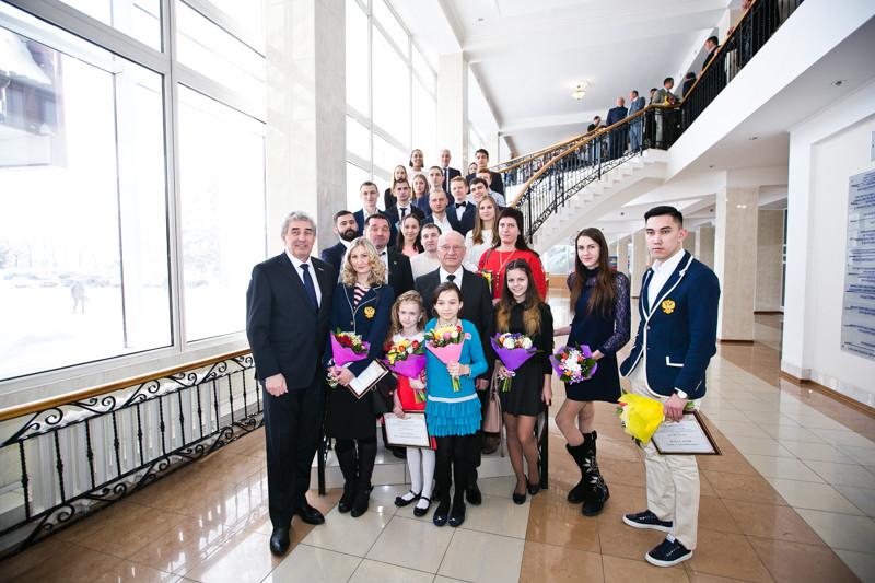 Губернатор Оренбургской области Ю.А. Берг вручил стипендии, гранты и премии лучшим спортсменам-паралимпийцам области