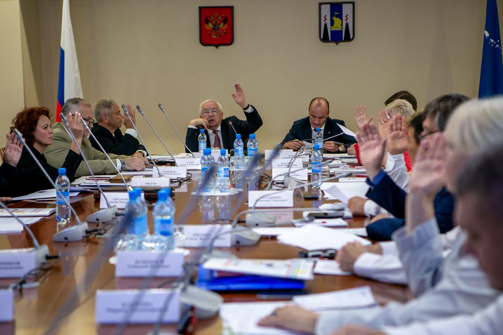 В.П. Лукин в г. Южно-Сахалинске провел заседание Исполкома ПКР