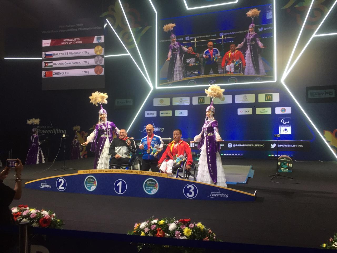 Владимир Балынец завоевал золотую медаль в первый день чемпионата мира по пауэрлифтингу спорта лиц с ПОДА в Казахстане