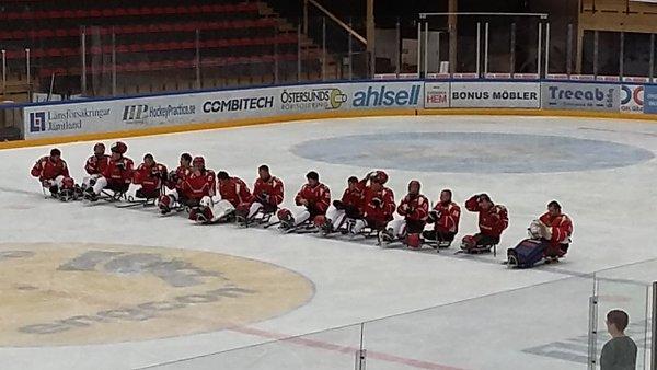 Россияне обыграли чехов на старте чемпионата Европы по хоккею-следж в Швеции
