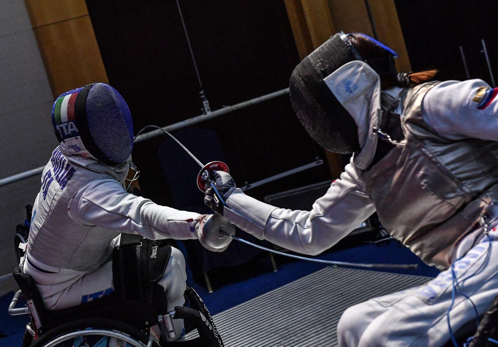 Сборная команда России по фехтованию на колясках завоевала 2 золотые, 3 серебряные и 8 бронзовых медалей по итогу 6-и дней чемпионата мира в Корее