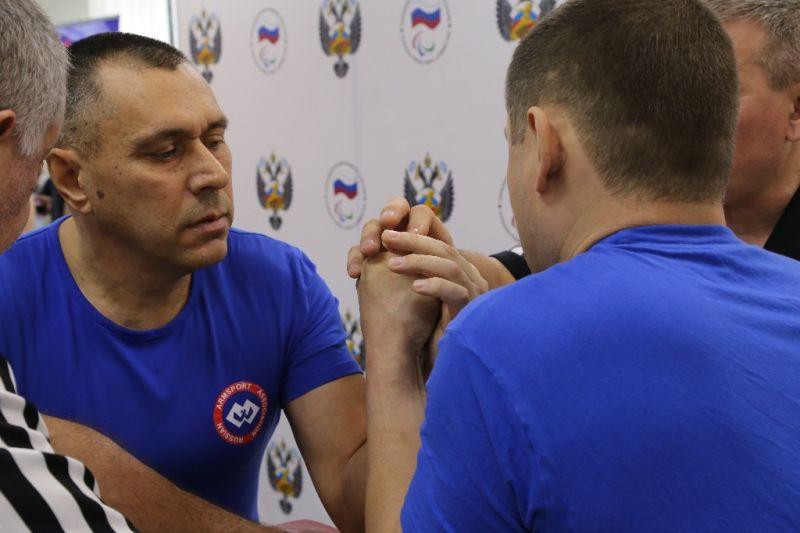 В спортивном зале офиса ПКР прошли чемпионат и первенство России по армспорту среди лиц с поражением опорно-двигательного аппарата
