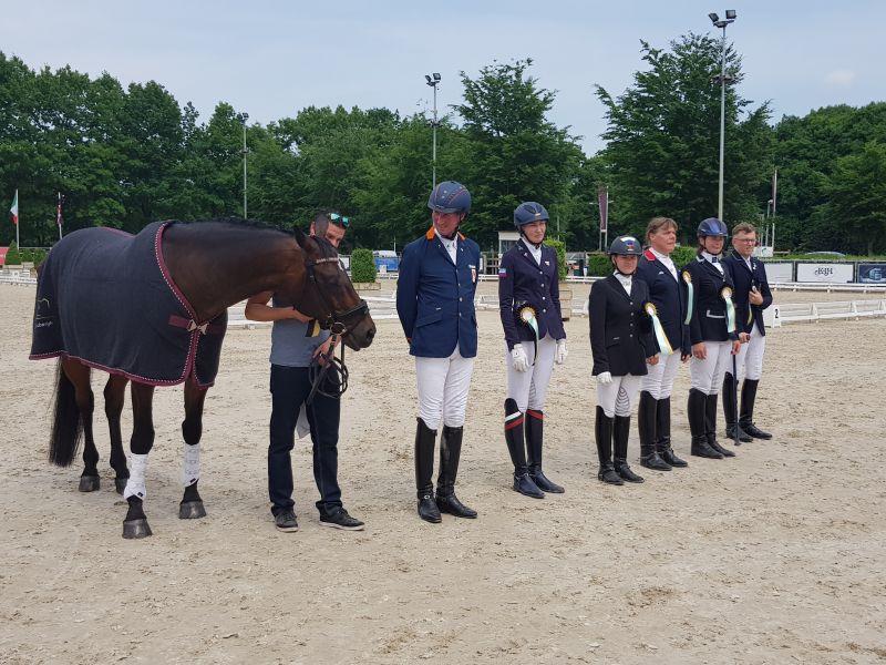 Российские конники завоевали три серебряные медали и одну бронзовую на престижном турнире в Голландии