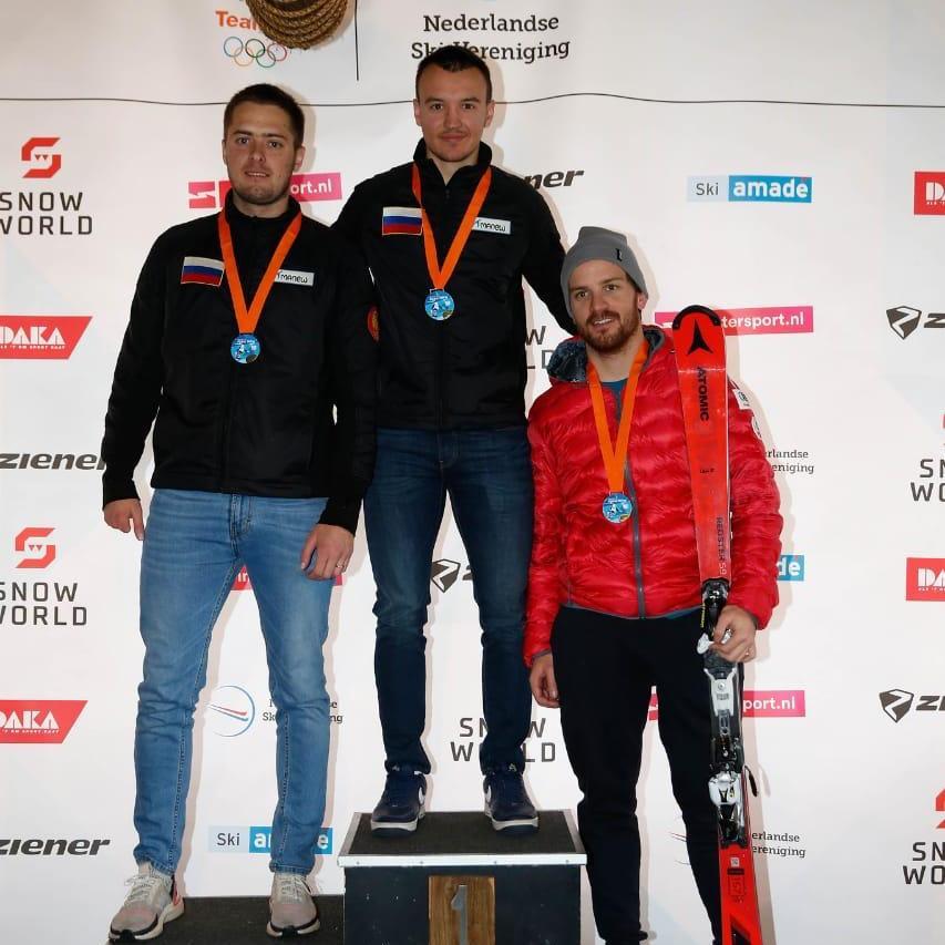 4 золотые и 5 серебряных медалей завоевала сборная команда России по горнолыжному спорту лиц с ПОДА и с нарушением зрения на международных соревнованиях в Нидерландах