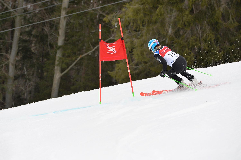 Российские горнолыжники с ПОДА ведут борьбу за награды 5-го этапа Кубка мира в Швейцарии