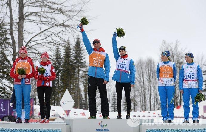 Российские спортсменки Михалина Лысова и Елена Ремизова завоевали золотую и серебряную награды Паралимпийских игр в Сочи