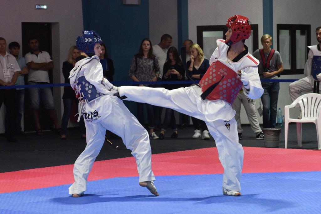 Российские тхэквондисты в пятницу завоевали 7 золотых медалей, 7 серебряных  6 бронзовых и выиграли командный зачет на Всемирных играх IWAS-2015 в Сочи
