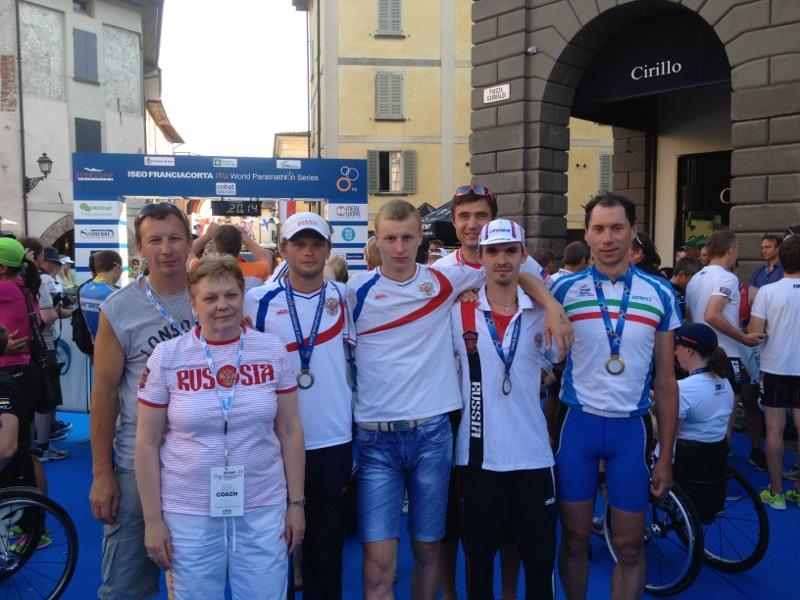 Российские спортсмены завоевали две серебряные медали на международных соревнованиях по триатлону спорта лиц с поражением опорно-двигательного аппарата, которые завершились в г. Изео (Италия)