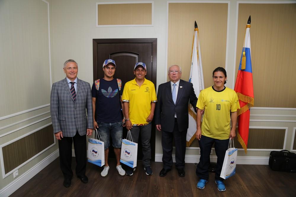 В.П. Лукин, П.А. Рожков в офисе ПКР встретились со спортсменами и тренерами сборных команд Колумбии по футболу спорта лиц с ЦП и спорта слепых