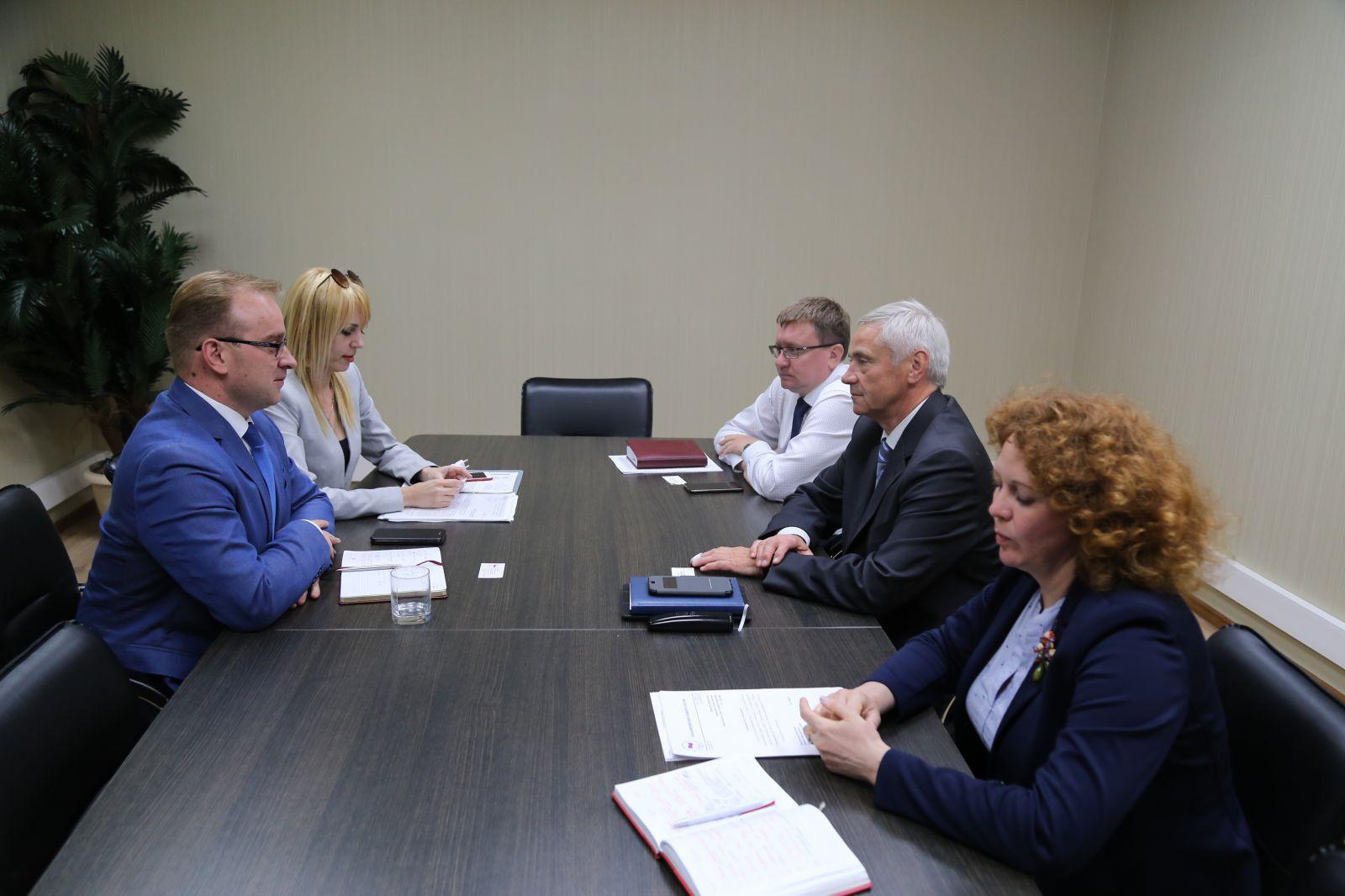 П.А. Рожков в офисе ПКР провел встречу с председателем Комиссии по физической культуре и спорту Ивановской областной думы М.А. Кизеевым