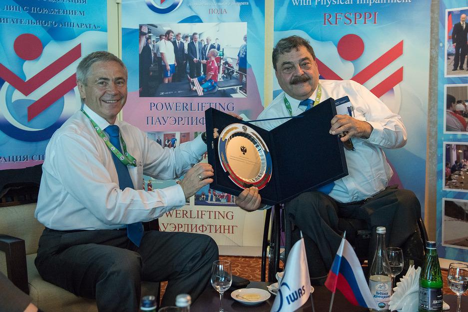 Руководители Минспорта РФ и ПКР провели в Сочи встречу с президентом IWAS Пол де Пасом