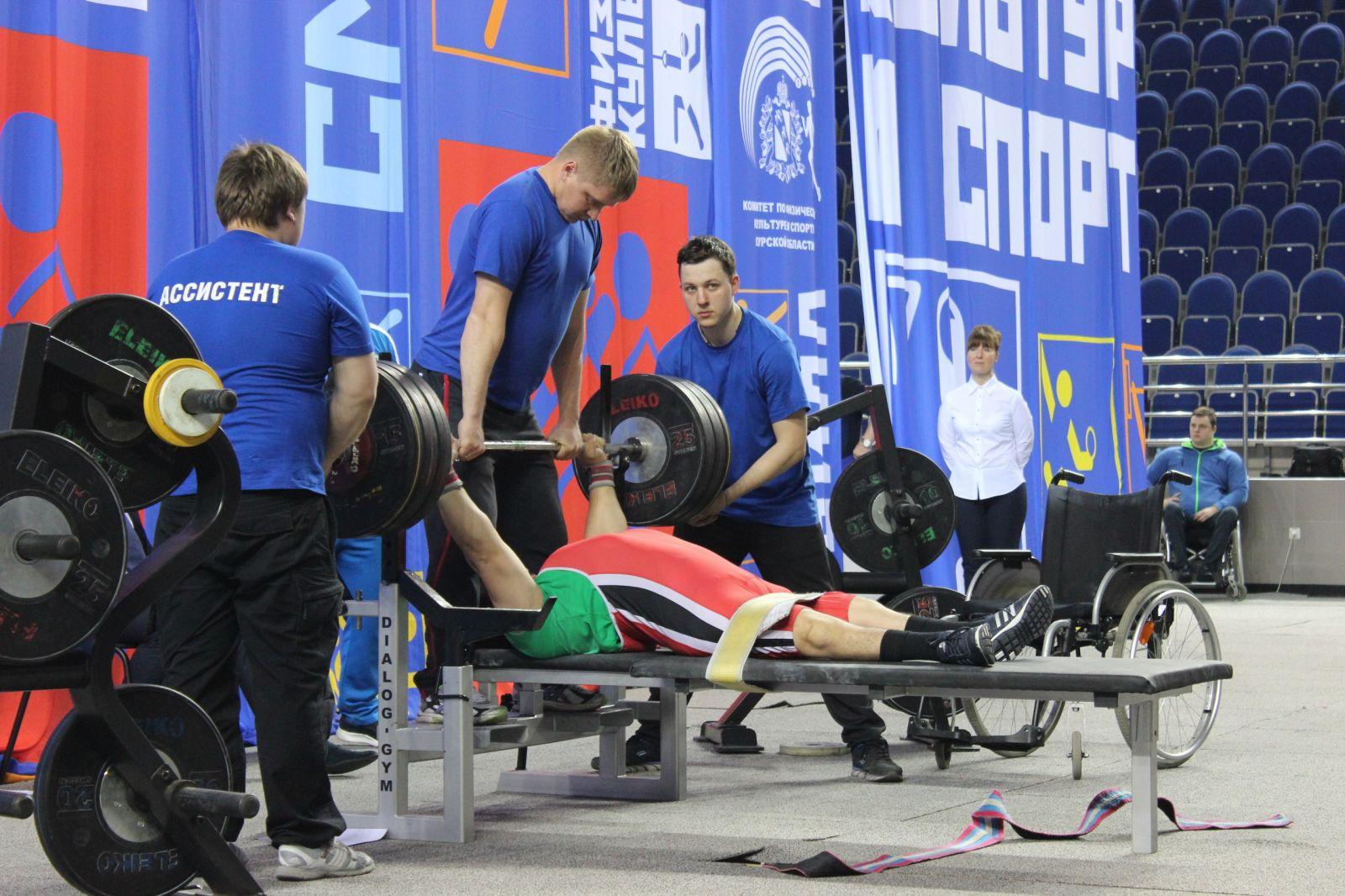 Около 200 спортсменов поведут борьбу за медали чемпионата России по пауэрлифтингу спорта лиц с ПОДА в Суздале