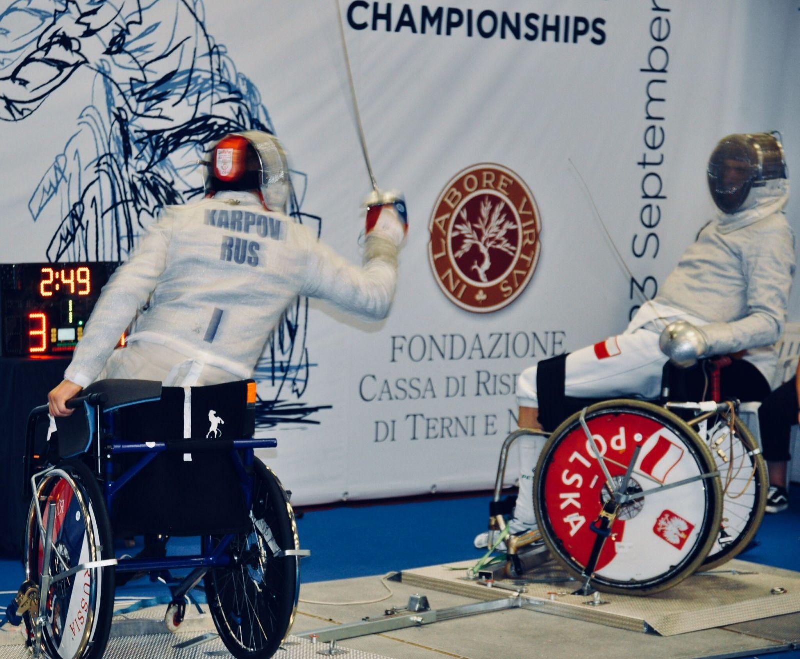 Сборная команда России по фехтованию на колясках завоевала 2 золотые, 2 серебряные и 6 бронзовых медалей по итогам двух дней чемпионата Европы в Италии