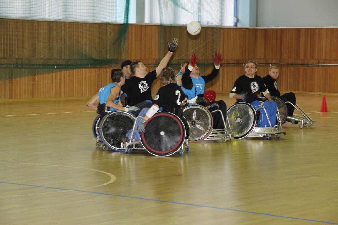 Шесть команд поспорят за победу на чемпионате России по регби на колясках в Алексине