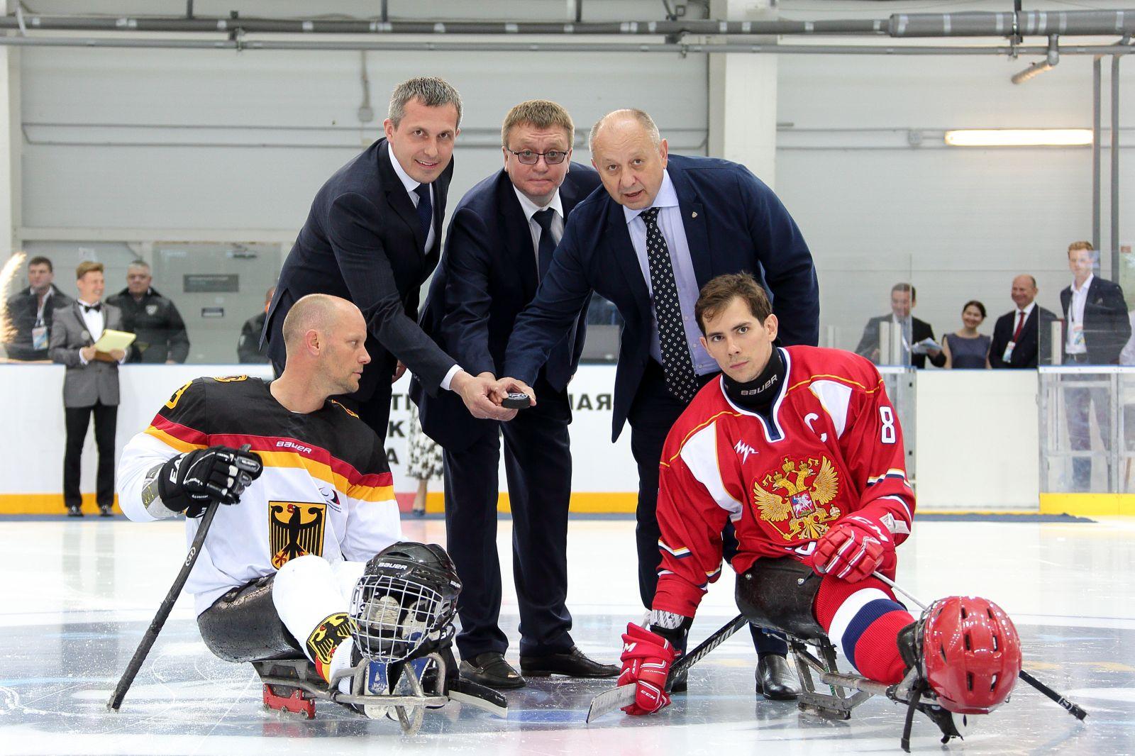 В г. Сочи состоялась церемония открытия и первый соревновательный день Кубка континента по хоккею-следж