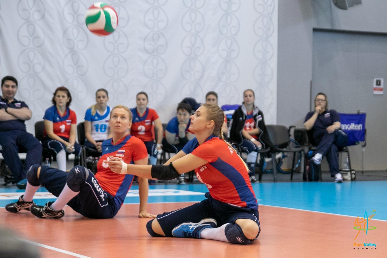 Сборные команды России вышли в плей-офф чемпионата Европы по волейболу сидя в Венгрии
