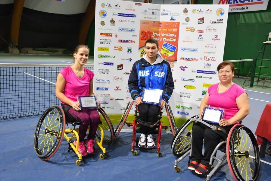 1 золотую, 1 серебряную и 1 бронзовую медали завоевала сборная команда России по теннису на колясках на международных соревнованиях в Италии
