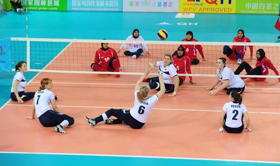 Мужская и женская сборные России по волейболу сидя в Китае одержали пять побед кряду в отборочном турнире к Паралимпийским играм-2016 в Бразилии