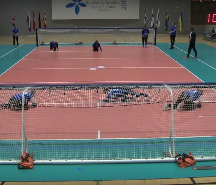 Женская сборная команда России нанесла поражение сборным Дании и Финляндии в первый день чемпионата Европы по голболу спорта слепых  в Финляндии