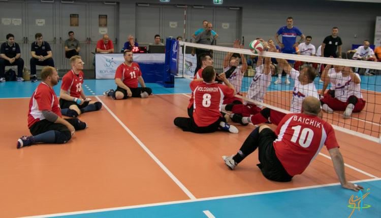 Сборные команды России вышли в полуфинал чемпионата Европы по волейболу сидя в Венгрии