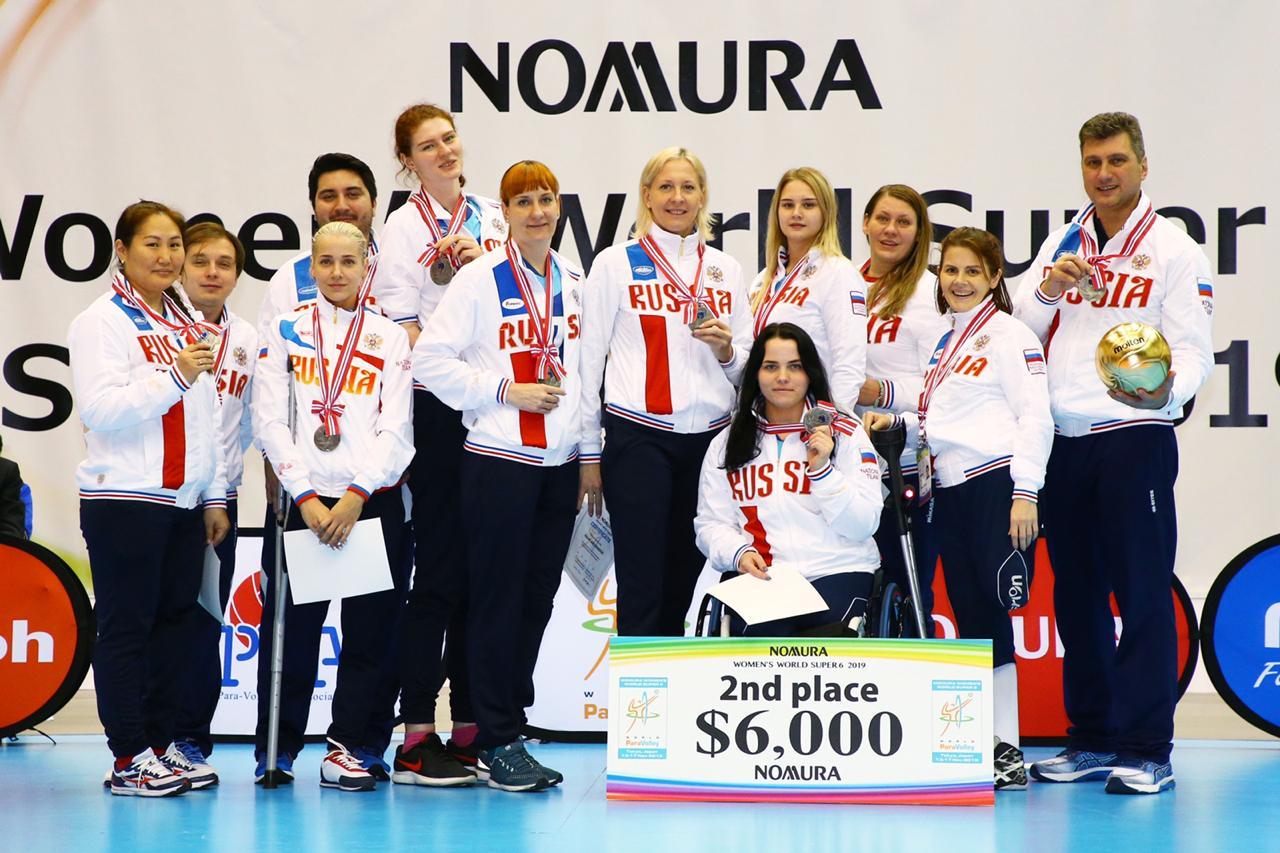 Женская сборная команда России по волейболу сидя завоевала серебряные медали на международном турнире World Super 6 в Японии