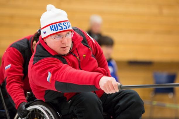Капитан сборной команды России по керлингу на колясках Андрей Смирнов выбран спортсменом февраля по версии МПК