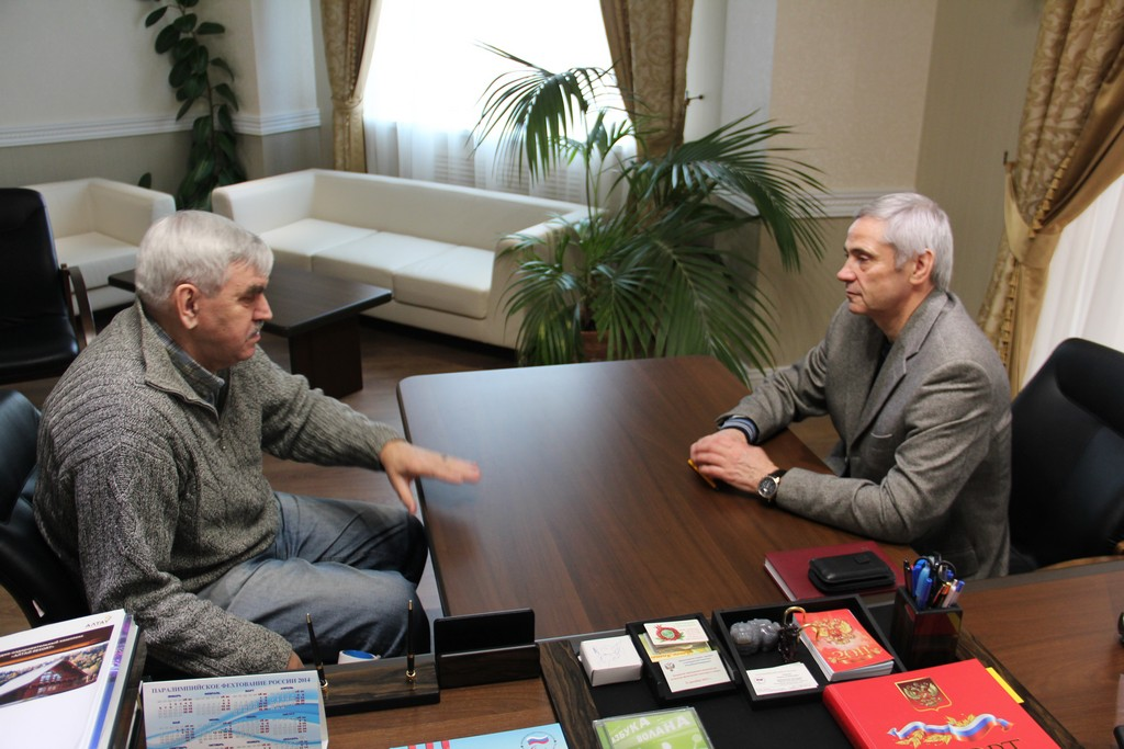П.А. Рожков в офисе ПКР провел рабочую встречу с В.Н. Вишняковым