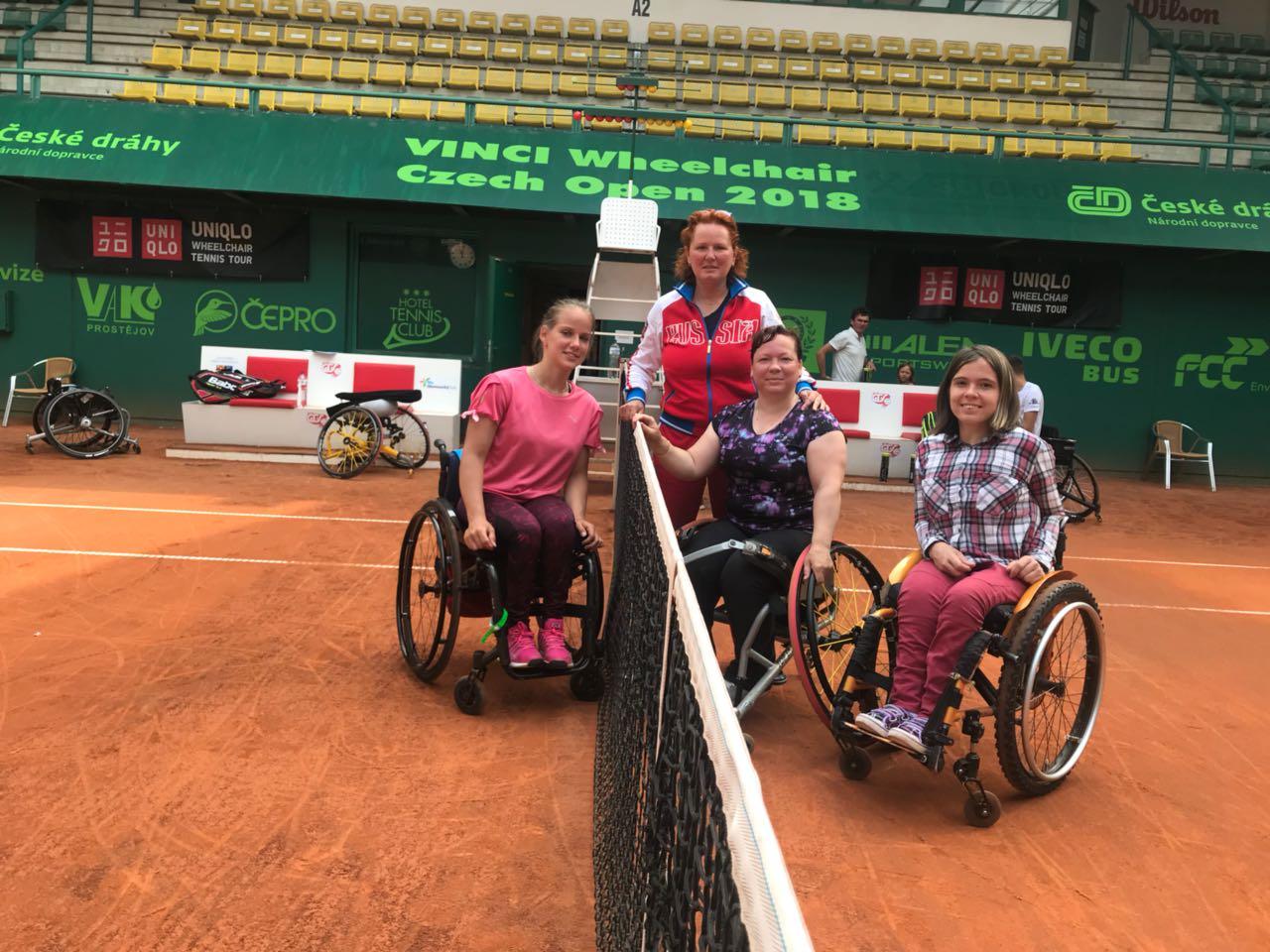 1 серебряную и 2 бронзовые медали завоевали российские спортсменки на международных соревнованиях по теннису на колясках в Чехии
