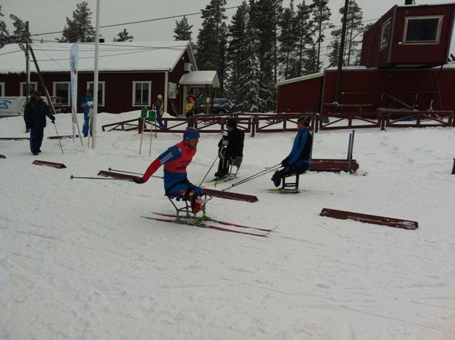 В Швеции на Чемпионате мира по лыжным гонкам и биатлону среди лиц с поражением опорно-двигательного аппарата и нарушением зрения  прошла эстафетная лыжная гонка