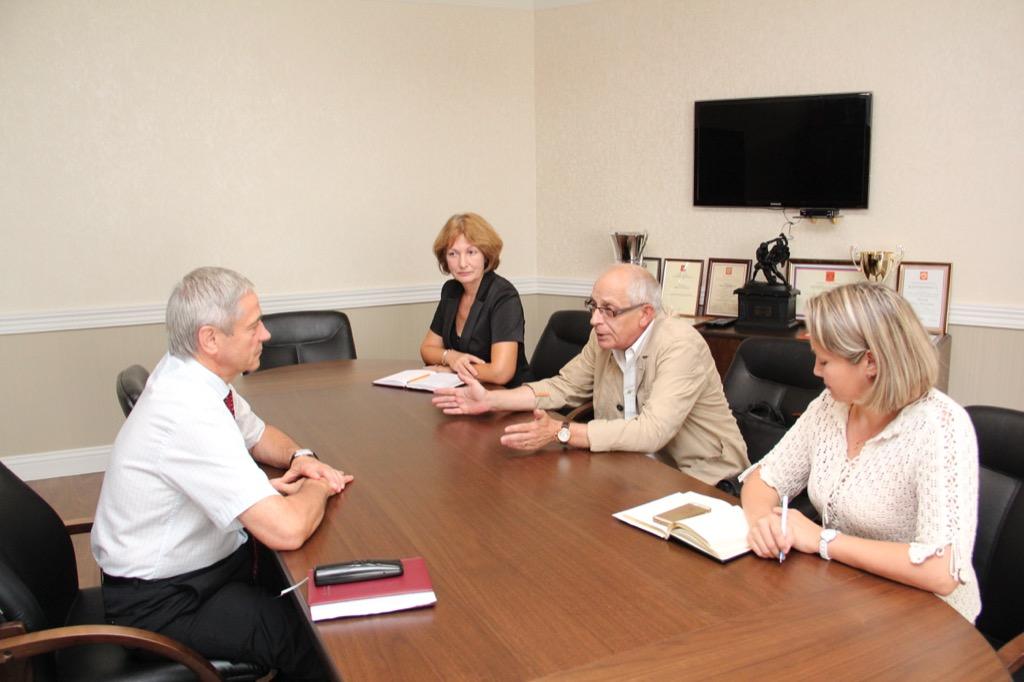 В офисе ПКР состоялась встреча П.А. Рожкова с заместителем генерального директора ФНЦ ВНИИФК С.Н. Португаловым