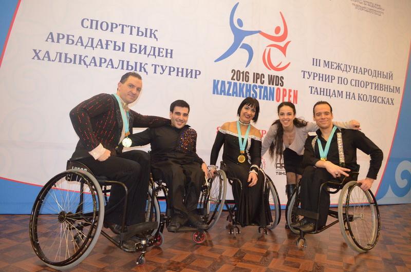 8 золотых, 3 серебряные и 1 бронзовую медали завоевали россияне на рейтинговых соревнованиях по танцам на колясках в Казахстане